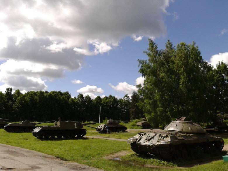 фото танковой выставки