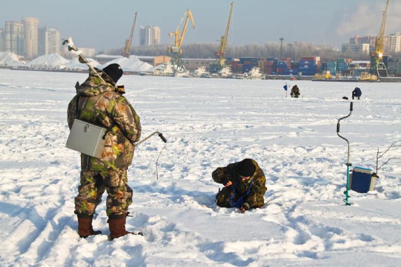Зимняя рыбалка на Химкинском