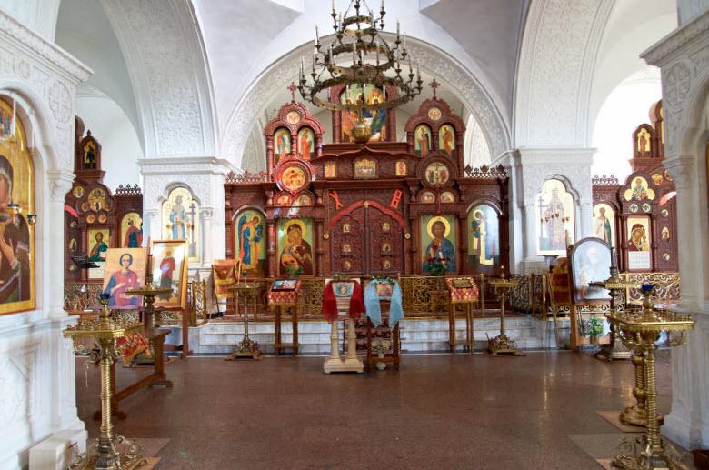 фото внутри храма Воздвижения Креста