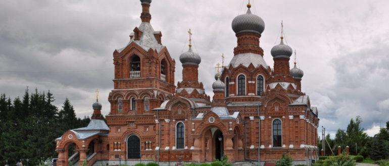Храм Крестовоздвижения в Дарне