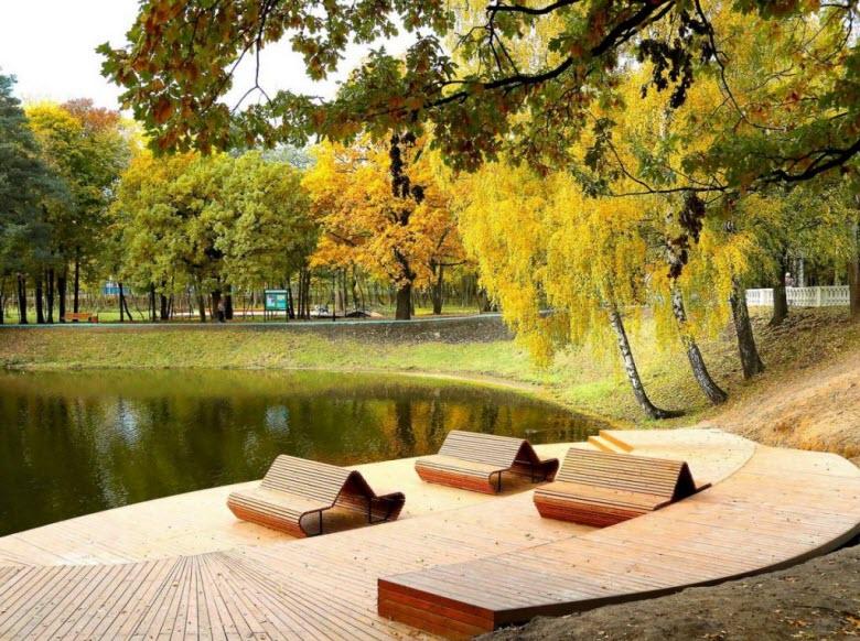 лавки у Ивановских прудов