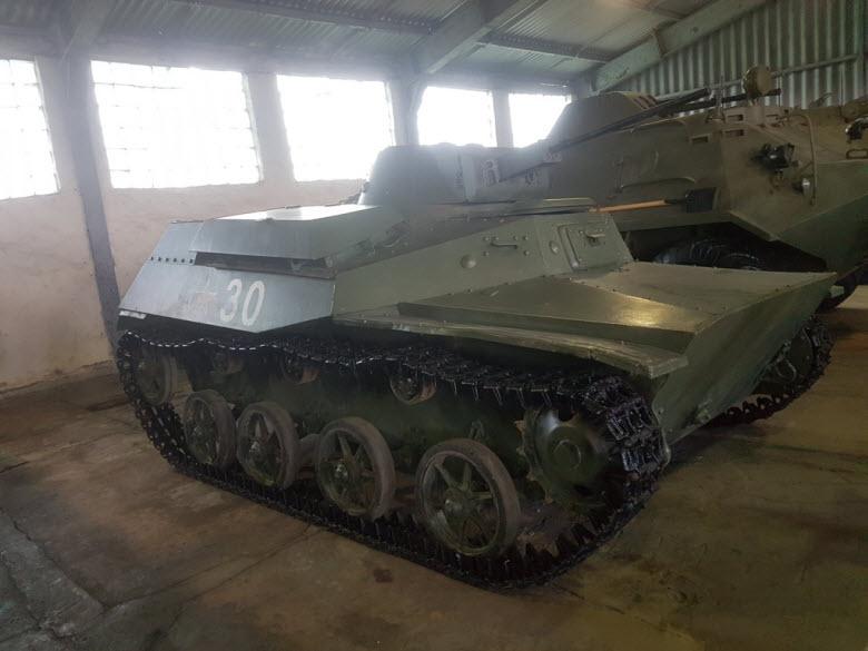 маленький танк в парке Патриот
